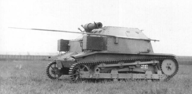 A TK3 with the RKB-C radio. Notice the two large boxes at the rear and the large antenna - Source: derela.republika.pl