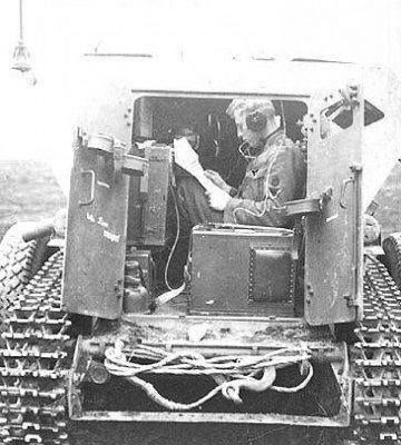 radio-compartment-SdKfz254